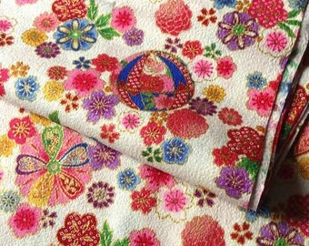 Japanese fabric, flowers, background, unbleached, cotton 110 x 50 (227B)