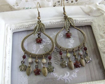 "Earrings vintage ""enchanted nature"" enameled flowers and glass beads"
