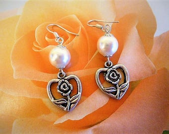 "Earrings ""coeur de Roses"" Tibetan silver pendant and Pearl 5 cm"