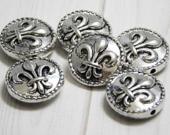 Fleur De Lis Beads - Silver Beads - Antique Silver - Metal Beads - Pewter Beads - Lead Free - 6pcs (2082)