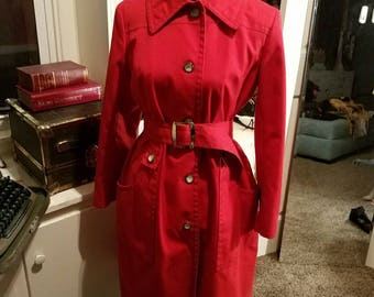 Vintage London Fog 1960's size 12 Trench Coat. Excellent condition. Perfect for a Carmen Sandiego costume.