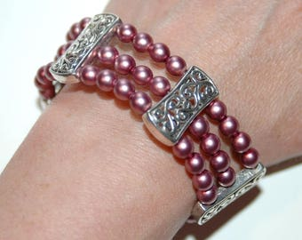 Bracelet pink pearl beads and metal