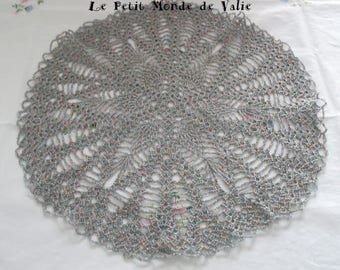 Large iridescent metal rosette doily