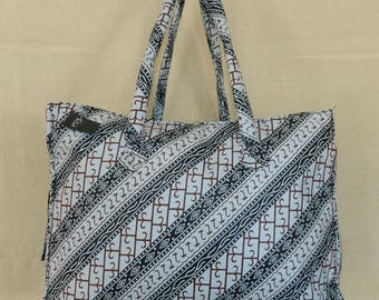 Chic n ° 29 blue purse or bag lady fabric stuffed with closing zipper and two pockets