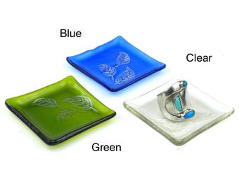 Etched Leaf Recycled Glass Ring Tray - Tili Glass (G)