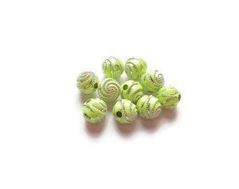 Round beads 8mm Green spirals