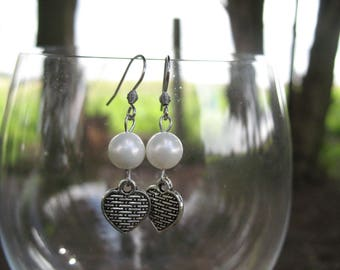 Earrings cultured pearls white and heart
