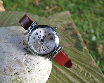 Vintage red leather watch