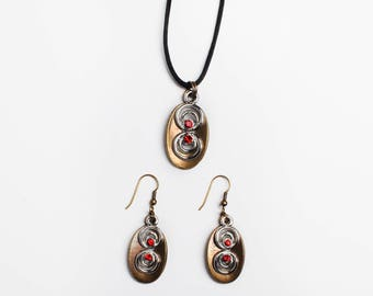 Earrings and pendant set with Swarovski stone