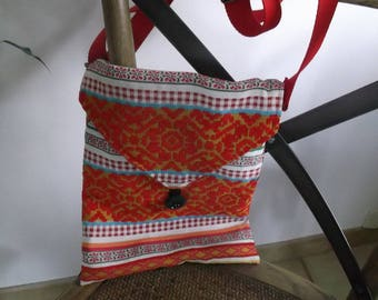 fabric bag has adjustable shoulder strap