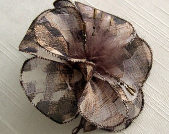 Small hair clip flower fabric & feathers and pearls 017