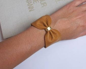 leather bow bracelet plus size