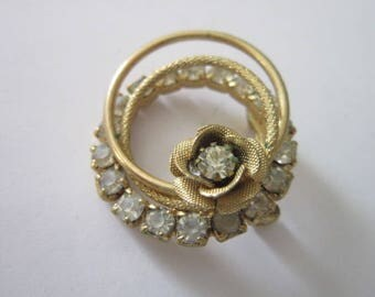 Retro Gold Tone & Rhinestone Circle Brooch with Rose