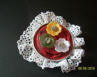 brooch capsule nespreso red and these small flowers