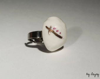 Ring porcelain white pink and gold