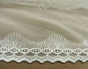 EMBROIDERY - 10 cm / 4 cm - on white tulle