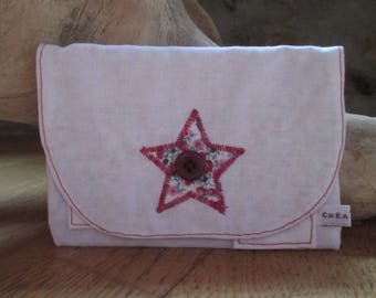 Tobacco pouch white with star and interior liberty.