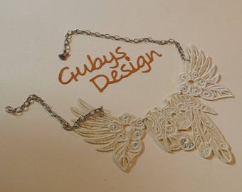 Lace necklace embroidery beige with chain silver