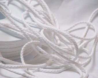 White flat cord