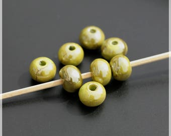 Set of 8 beads 1 cm ceramic
