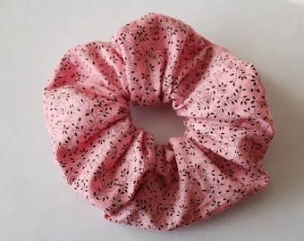 Black printed pink elastic scrunchie