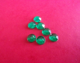 Set of 5 round faceted green rhinestones in acrylic, glue - 6mm