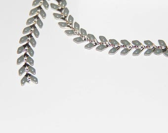 Chevron ear glazed gray enamel and metal chain