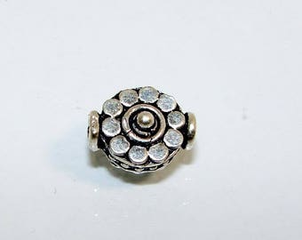 Silver disc bead 11.3 by 9 mm decoration 10 point 2 mm.  Money first. (2696071)