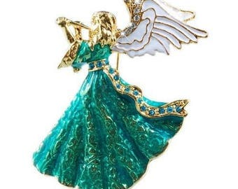Angel musician in the green dress brooch