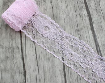 Beautiful soft pink lace, 5.5 cm width, scalloped lace adorned with flowers