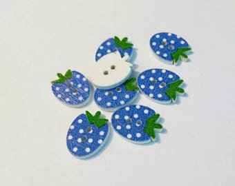 "Lot 8 ""Strawberry"" blue wood buttons"