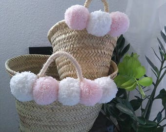 Pair of baskets mother daughter, pink and white tassels