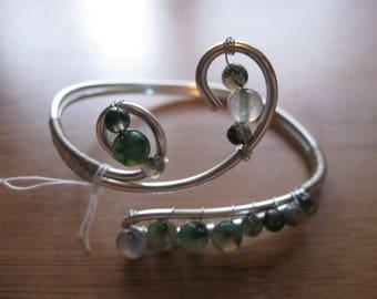 metal and green semi precious stones bracelet