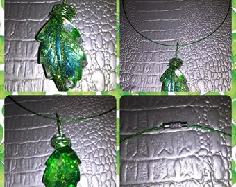 Choker necklace in clear resin