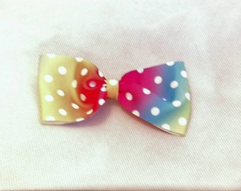 Large spotty hair bow.