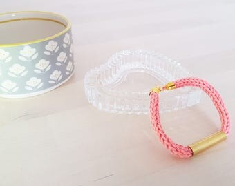 Bracelets collection wool and brass - pink or gray green - handmade