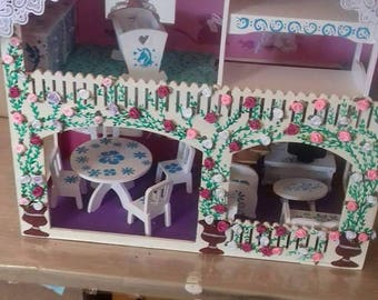 Dollhouse manequin