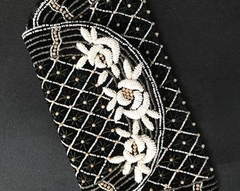 Stunning Vintage French Beaded Finger Purse