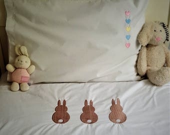 White Cotton Duvet Cover and Pillowcase Set with Embroidered Bunny Design in Junior/Single Bed Size