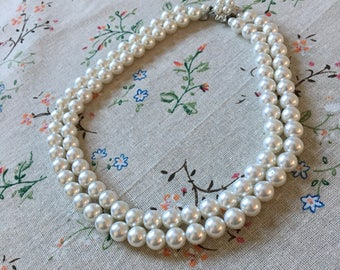 Vintage 1950's Costume Pearl Necklace