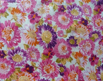 Fabric pink and purple coupon R79 flowers 35x50cm