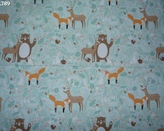 Fabric C789 on pale green woodland animals coupon 50x50cm