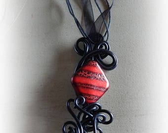 Necklace Black Aluminum wire with a diamond bead red black Crackle effect