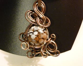 THE BROWN WIRE CHOKER NECKLACE PEARL AND ALUMINUM