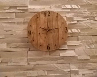Pendulum clock made of recycled wood pallet diameter 30cm