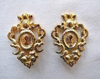 Vintage Rochas Paris Keyhole Earrings. Golg gilt