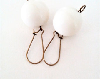 cream white round earrings