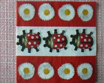 Decopatch / decoupage / Scrapbooking - Ladybug and daisies towel