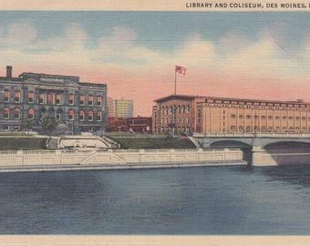 Vintage Postcard - Des Moines, Iowa Library and Coliseum, Des Moines River