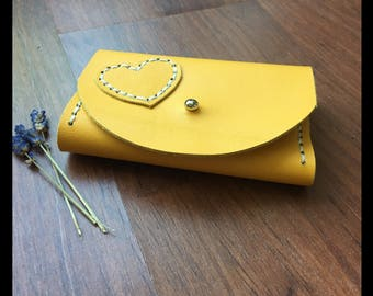 Leather wallet/wallet yellow with heart
